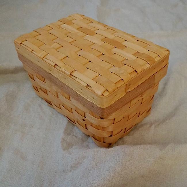 3COINS「水杉フタ付バスケット」生理用品収納