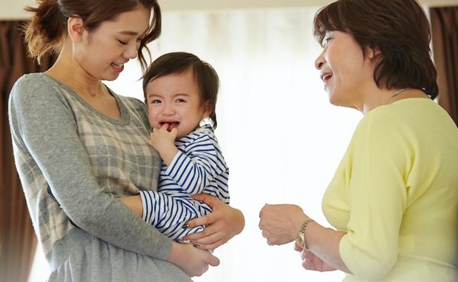 文化の違い?台湾人の義母が便秘の赤ちゃんに「はちみつ水」を…!?