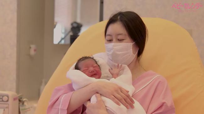 マスクをつけて赤ちゃんとの初対面