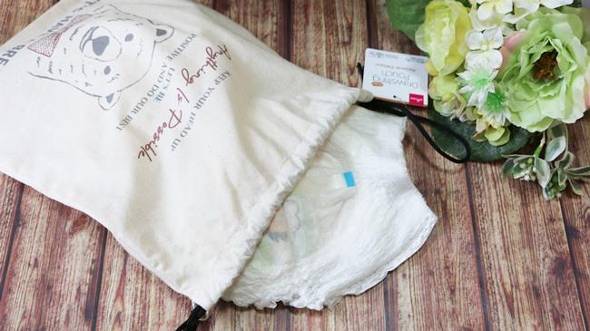 紐が長めの巾着は、お出かけにも収納にも使いやすい!