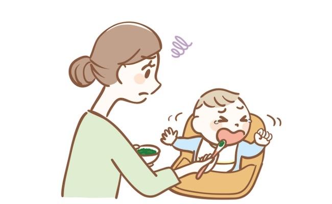 離乳食を食べてくれない赤ちゃんに悩むママ