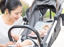 暑さ・寒さ対策に大活躍!「ベビーカー用保冷・保温シート」人気商品3選