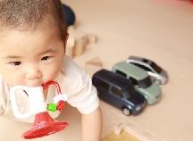 音を鳴らす&舌の発育を促す!定番人気の「ラッパのおもちゃ」はコレ♪