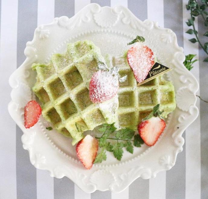 【離乳食後期】小松菜の米粉ワッフル