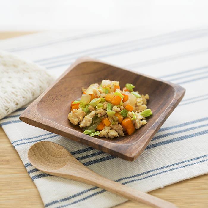 【離乳食中期】キャベツとひき肉のソテー