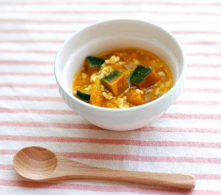 【離乳食中期】鶏とかぼちゃのそぼろ煮