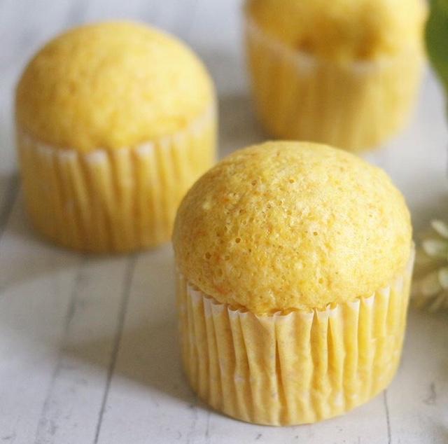 【離乳食完了期】人参と卵の蒸しパン