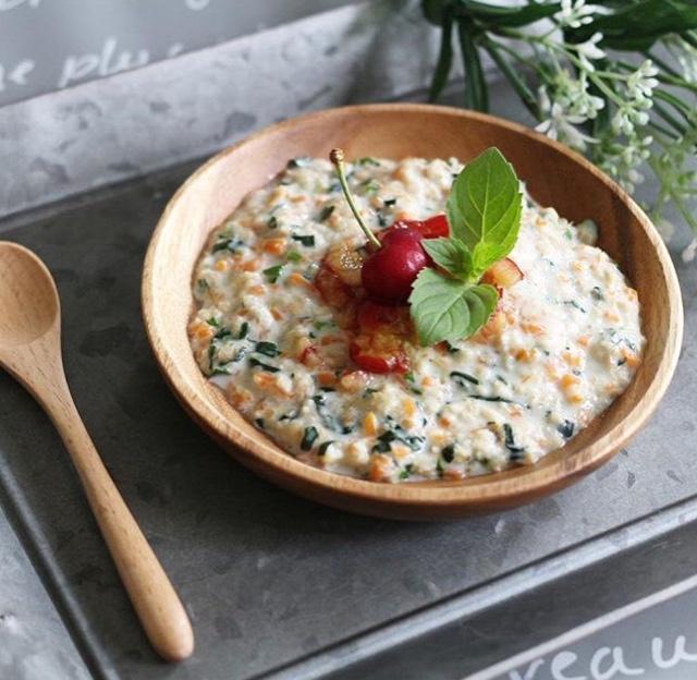 【離乳食完了期】野菜とさくらんぼのホットシリアル