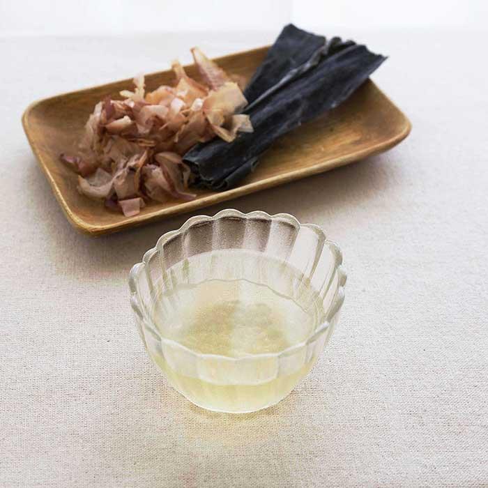 【離乳食初期】和風だし汁(1番だし)