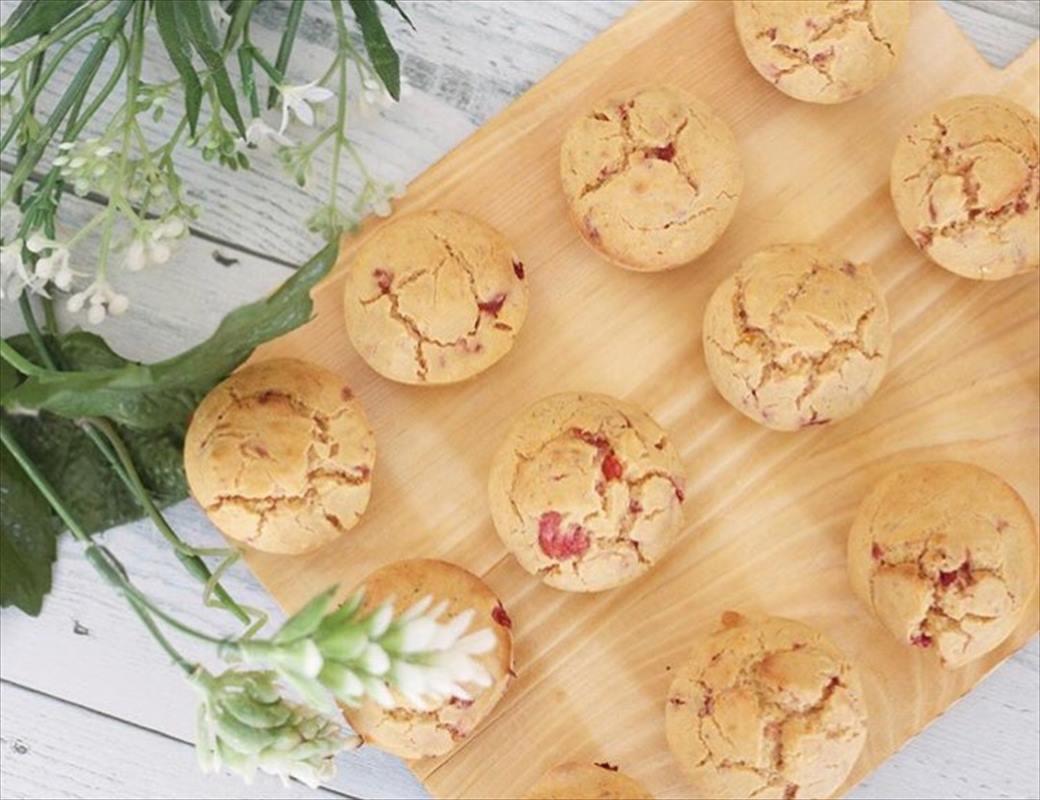 【離乳食後期】いちごとかぼちゃの米粉プチケーキ
