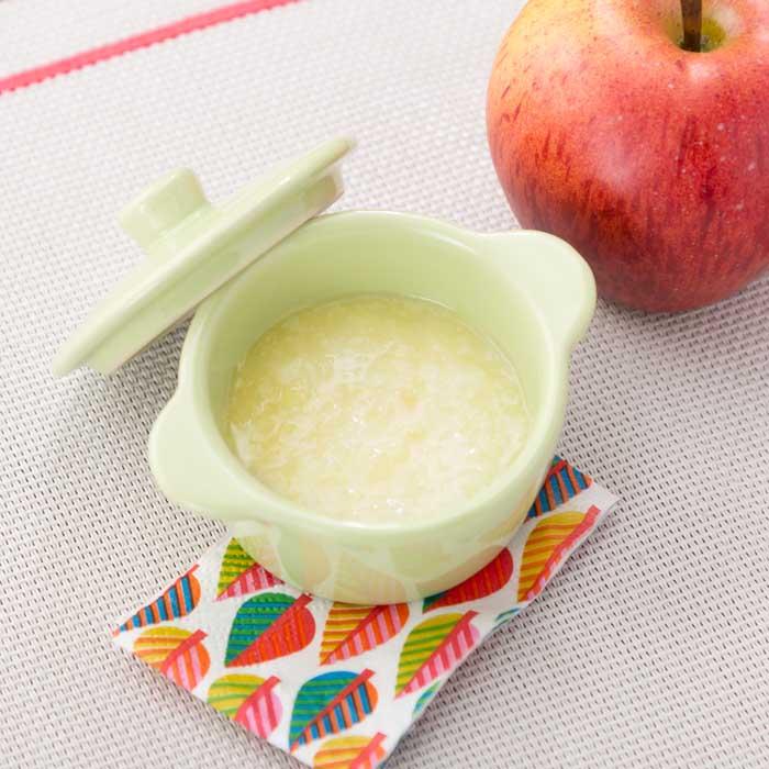 【離乳食初期】りんごのおかゆ