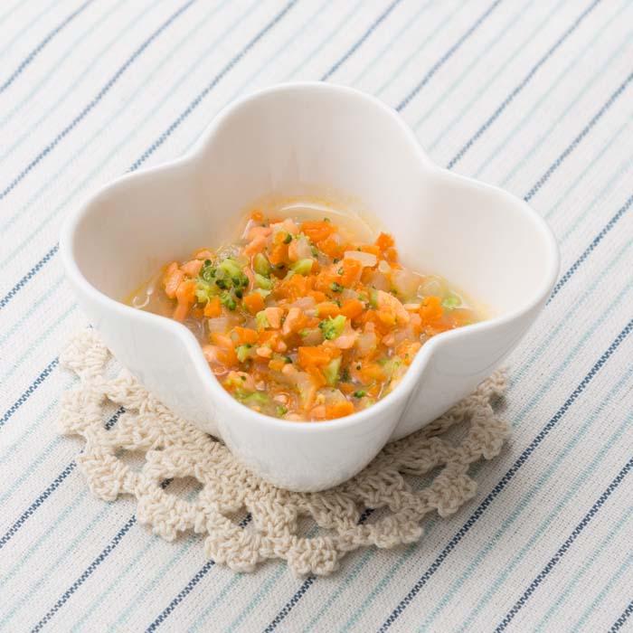 【離乳食中期】鮭と野菜のカラフル煮