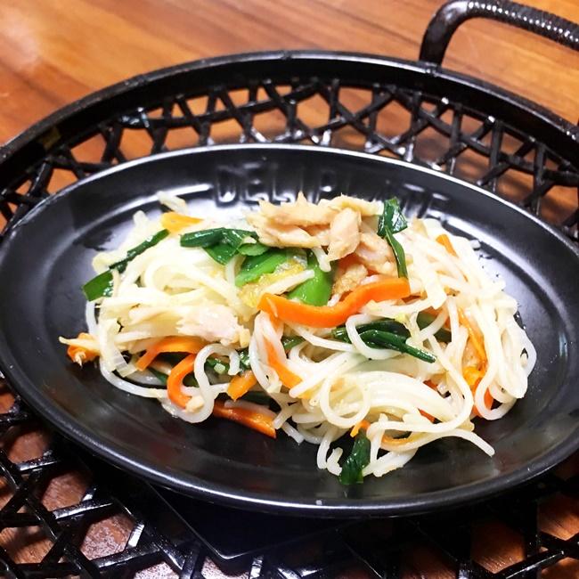 【離乳食後期】ニラとツナの中華味ソーメンチャンプルー