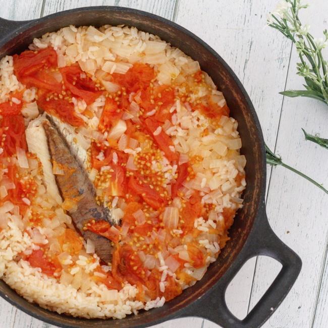 【離乳食完了期】カンパチとたっぷりトマトの炊き込みご飯