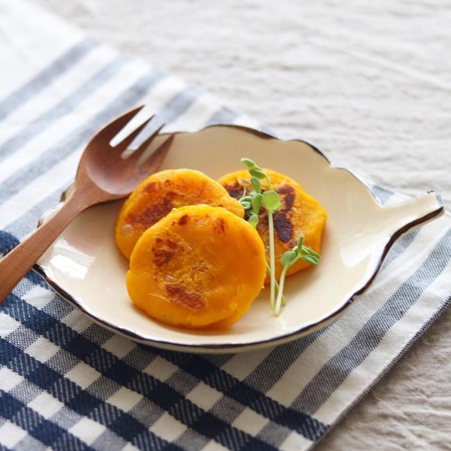 【離乳食後期】鳥ひき肉入りかぼちゃのおやき