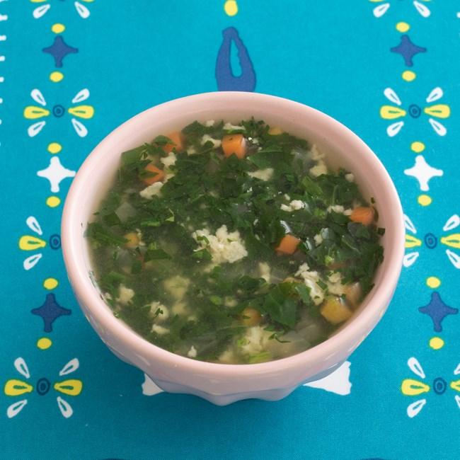 【離乳食中期】ほうれん草と鶏ひき肉のスープ