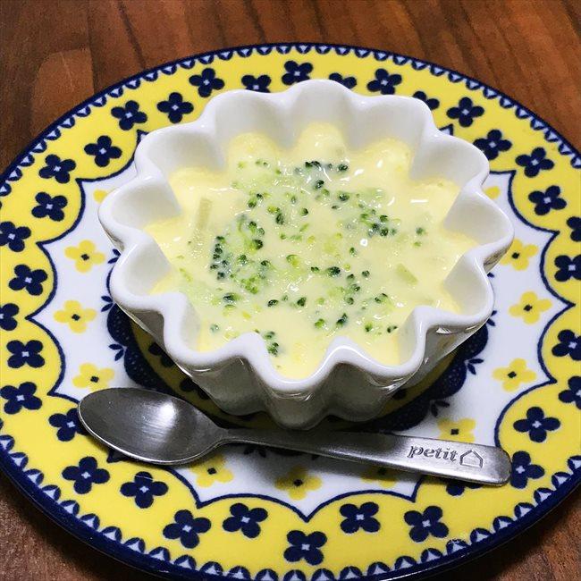 【離乳食中期】ブロッコリーの茶碗蒸し