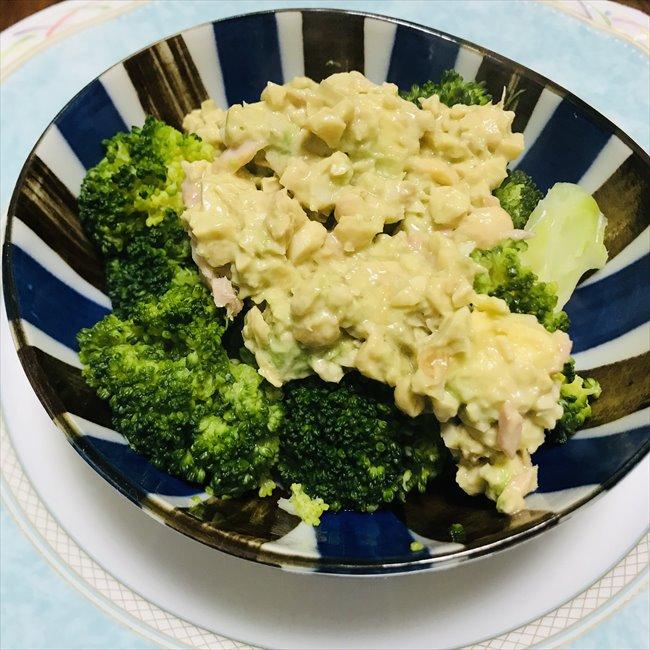 【離乳食完了期】ブロッコリーの大豆タルタル風ソースかけ