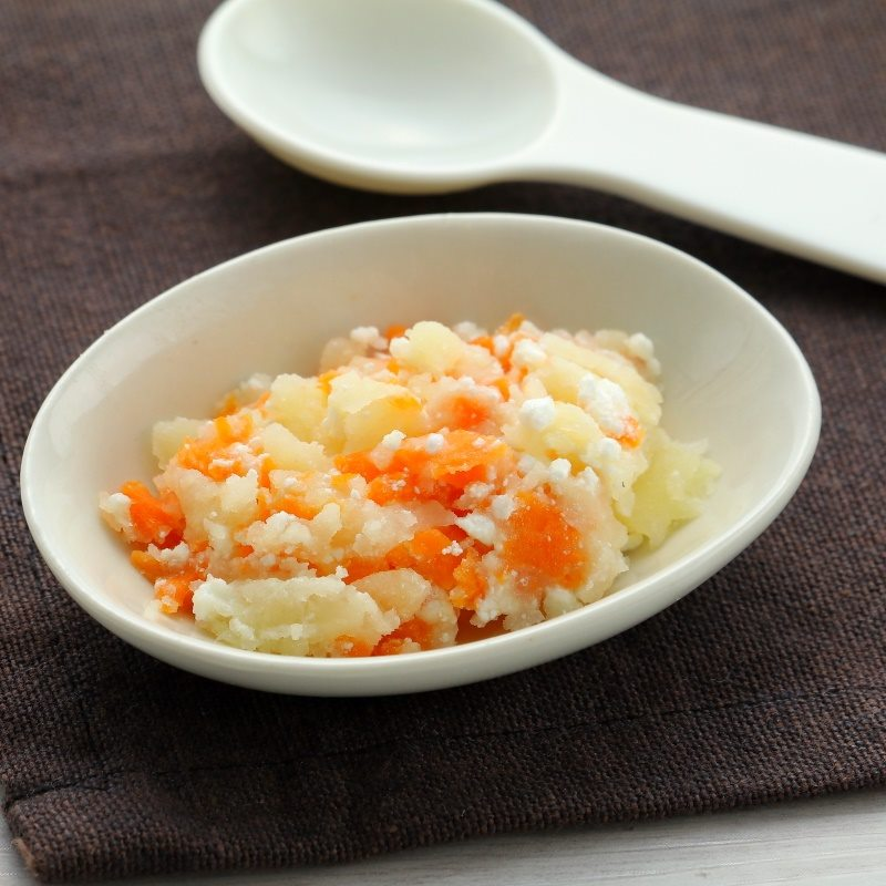 【離乳食中期】にんじんポテトサラダ