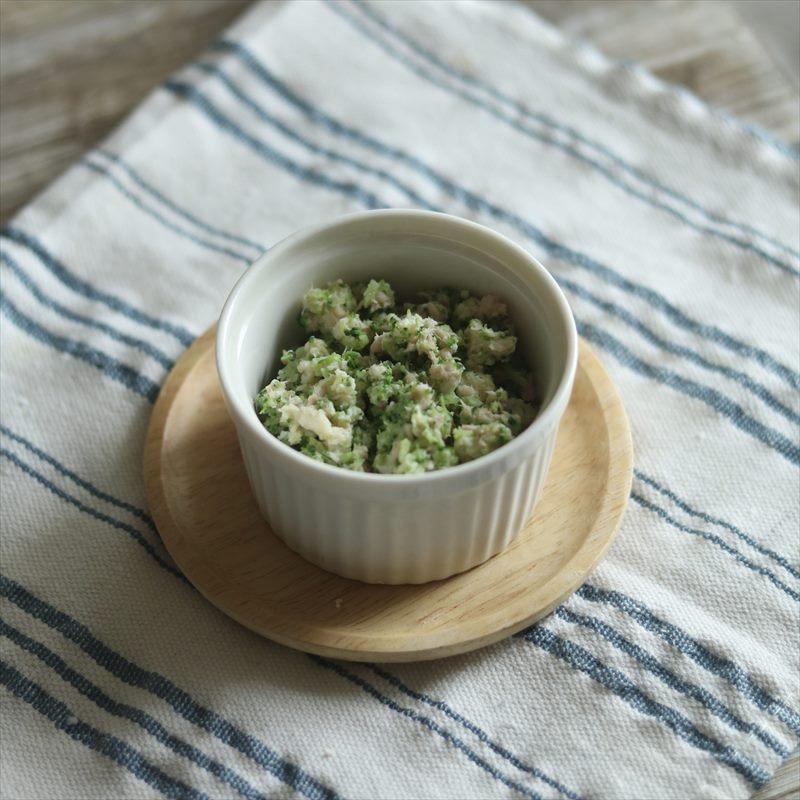 【離乳食中期】ツナ缶とブロッコリーで簡単サラダ