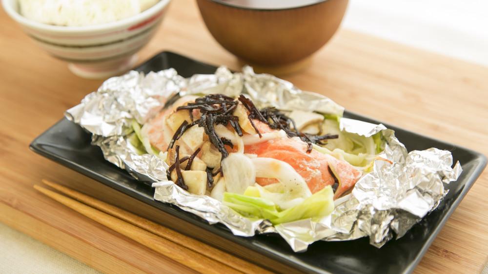 鮭と野菜のホイル焼き