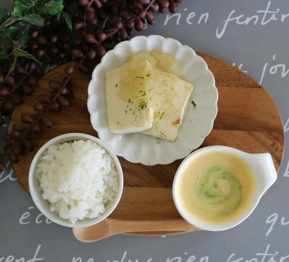 【離乳食後期】豆腐ステーキ玉ねぎソース