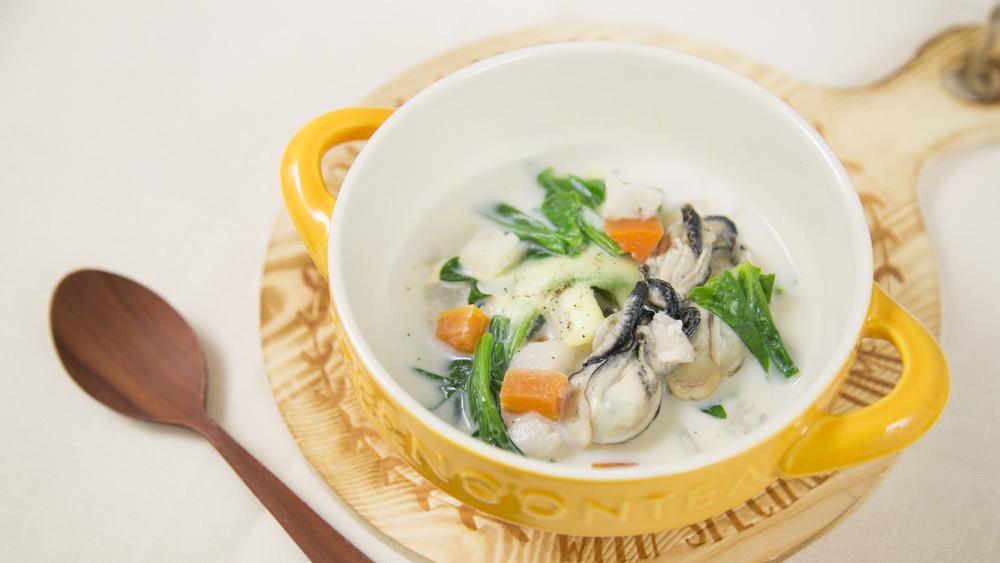 牡蠣のとろ~りミルクスープ