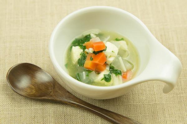 豆腐と野菜のけんちん汁風